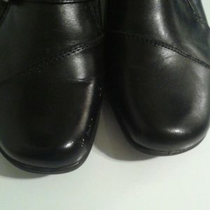 Bass Shoes - BASS heeled loafers comfy & black leather